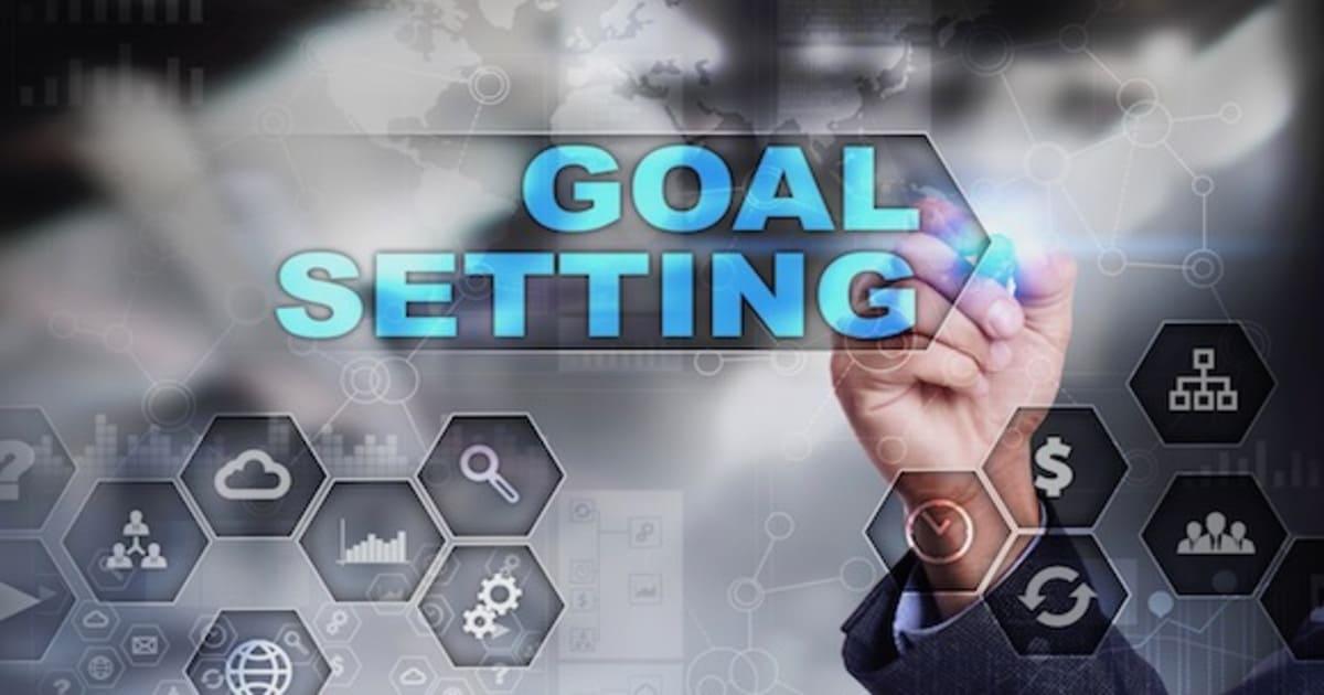 目標設定の方法を解説。目標設定に役立つ「SMARTの法則」とは?