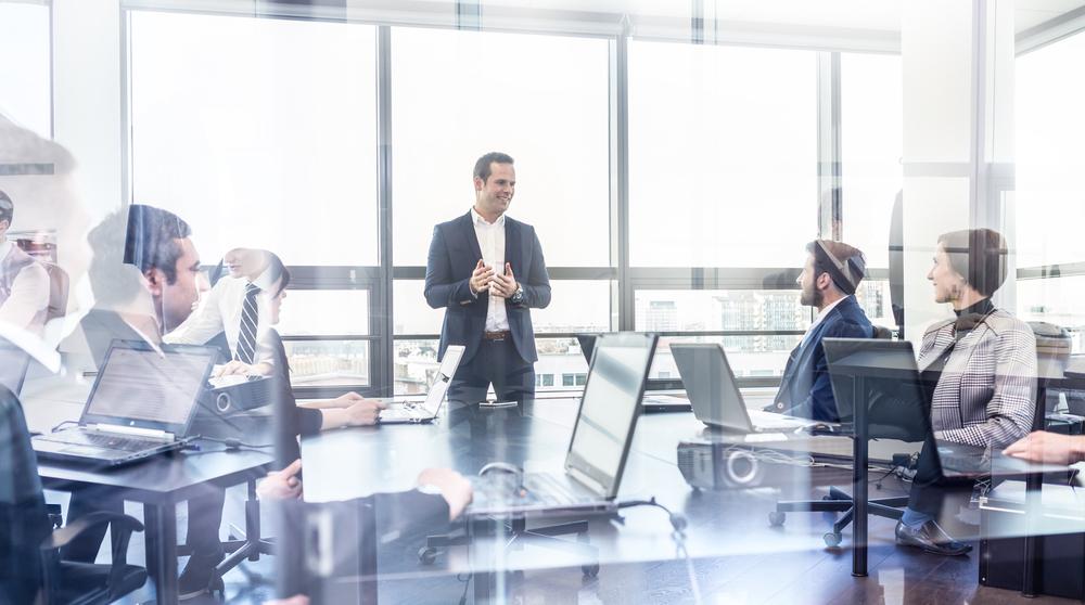 中途採用に力を入れる企業が増えている背景・理由