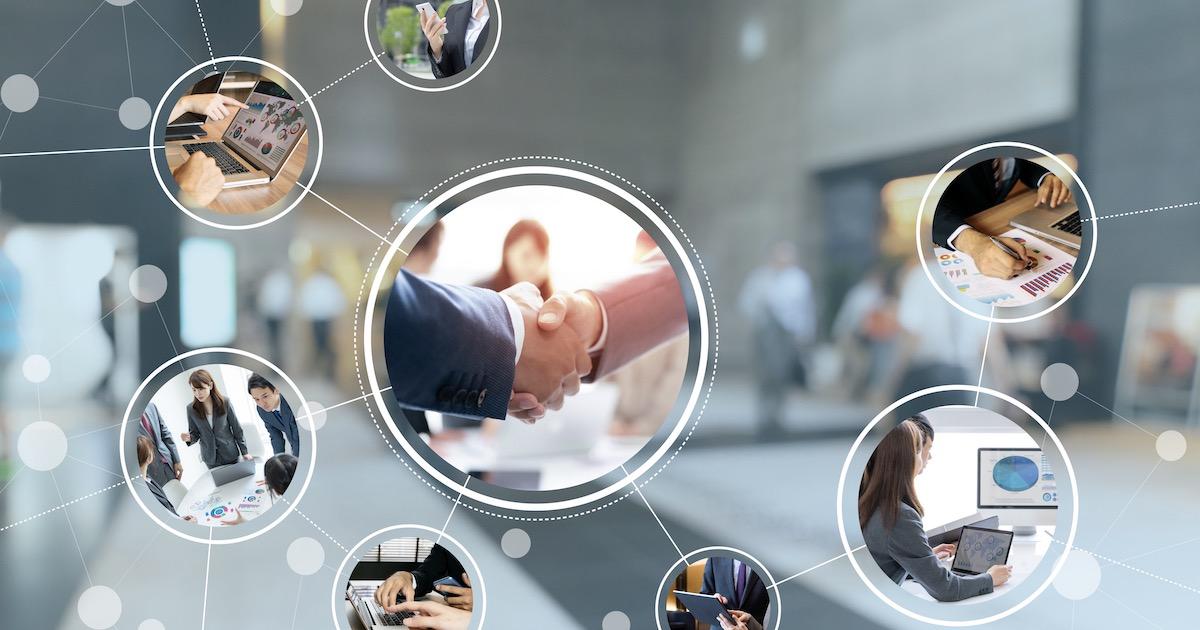 採用活動の変化に合わせて、会社紹介スライドのアップデートを